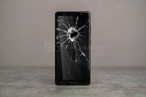 Thay màn hình blackberry evolve vỡ màn