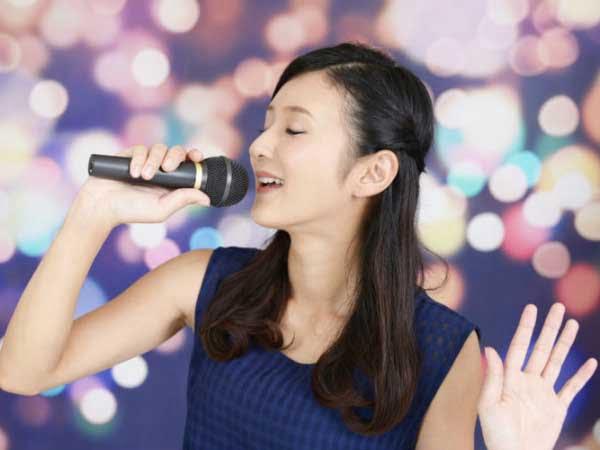 Giải mã giấc mơ thấy ca hát